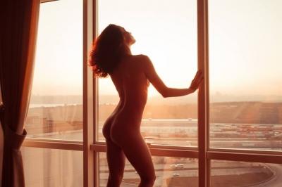 Nude/Ню