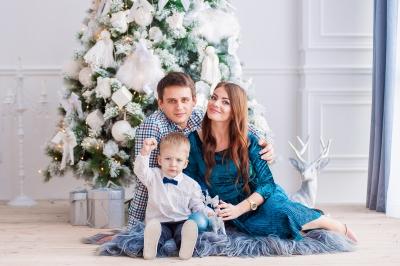 New Year photo session of Kirill and his parents/Новогодняя фотосессия Кирюши и его родителей