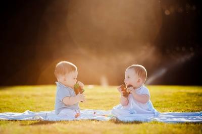 Family summer photo session with twins/Семейный летний фотосет с двойняшками